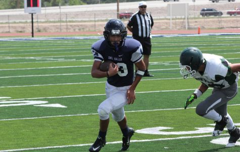 Freshman wide reciever Sergio outruns Montwood defensive end during the game.