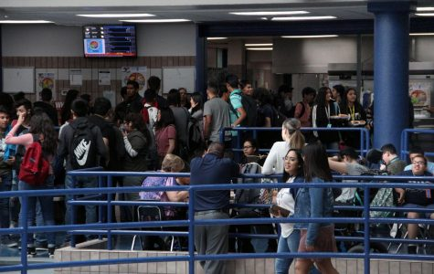 Administration works to alleviate congested halls, cafeteria