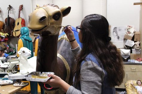 Students restore San Jacinto Nativity scene figures