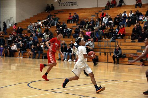 Boy's varsity basketball team conquers Ysleta Indians