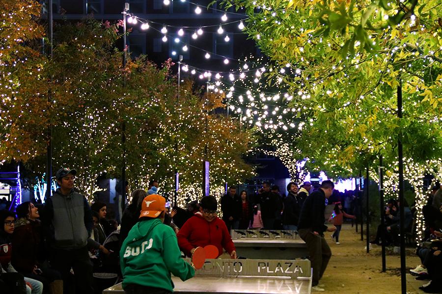 People+enjoy+the+fun+of+the+activities+at+San+Jacinto+Plaza.