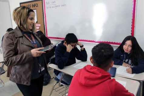Algebra 1 and 2 teacher Georgina Luna with her Study Skills students sophomores Diego Gutierrez, Jesus Saucedo and Daniela Cardenas.