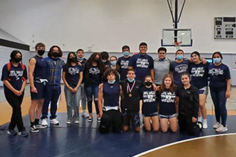 2020-2021 Wrestling team.